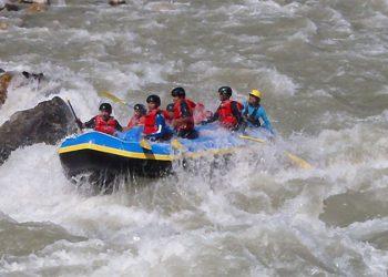 Budi-gandaki-river-rafting