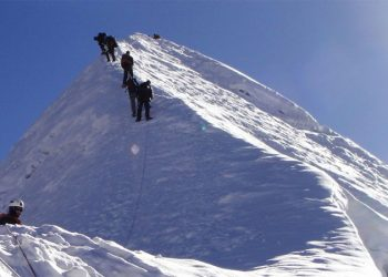 Kala-Pattar-Island-Peak-Cli