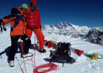 Lobuche-&-Island-Peak-Climb