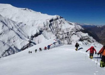 Putha-Hiunchuli-Climbing